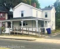 73 Oak St, Springfield, MA