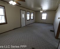 122-124 Melrose Ct, Fort Madison, IA