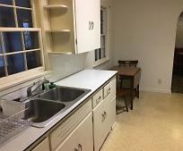 Kitchen, 814 Paw Paw Dr