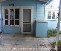 211 Loomis Ave, Daytona Beach, FL