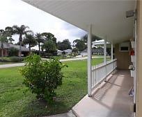122 Redgrave Dr, Wabasso, FL