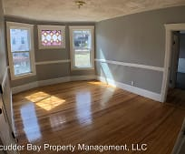 17 Crystal St, Central City, Worcester, MA