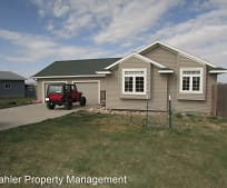 508 Trail Dr, Ellsworth Air Force Base, SD