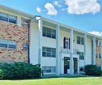 103 S Elder Ln, Millikin University, IL