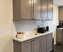 Kitchen, 2 E Main St