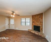 Living Room, 209 Kelly Ct