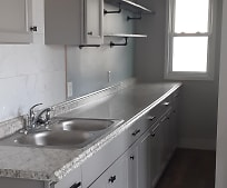 Kitchen, 162 Commonwealth Ave