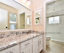 Bathroom, 131 Lincoln Dr