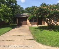 820 Horseshoe Dr, Richland Hills, Waco, TX