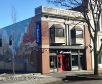 Building, 513 Main St