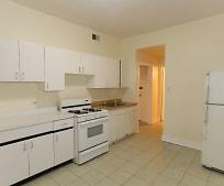 Kitchen, 953 N Hoyne Ave