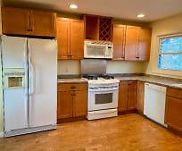 Kitchen, 86 Wood Ave