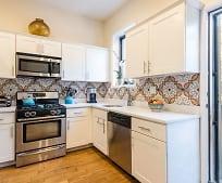 Kitchen, 519 Putnam Ave