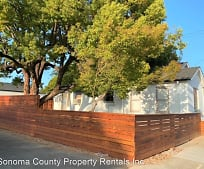 133 Powell Ave, Healdsburg, CA