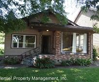 802 Pioneer St, Ridgefield, WA