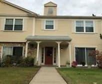833 Bloomfield Village Blvd E, Pontiac, MI