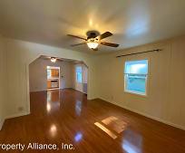 Living Room, 3996 Roosevelt Ave