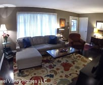 563 Janet Dr, Mahoning County, OH