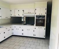Kitchen, 900 Clyde Blvd
