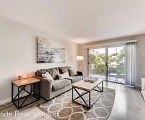 Living Room, 8024 Linda Vista Rd