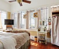 Bedroom, 1514 Calhoun St