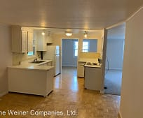 1104 James Ct, Lake of the Woods, IL