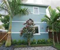 580 NW 34th St, Twin Lakes, FL