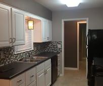 Kitchen, 2822 S Hiram St
