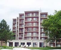 2700 N Shore Dr, Forest City, IA