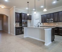 Kitchen, 4624 Split Oak