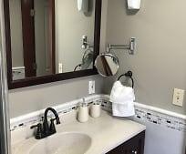 Bathroom, 15 Morris St