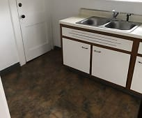 Kitchen, 156 S Lakeview Ave