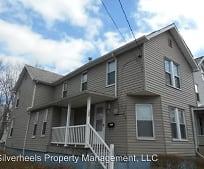 Building, 132 Franklin St