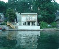 31 Cobbetts Pond Rd, Windham, NH