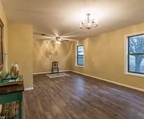 Living Room, 3320 Millbrook Rd