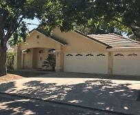 2550 Sandell Ave, Kingsburg, CA