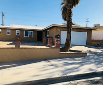 630 Kelly Dr, Barstow, CA