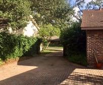 5831 Braesheather Dr, Parker Elementary School, Houston, TX