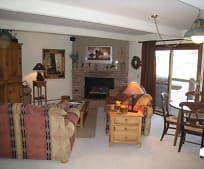 Living Room, 35 Upper Woodbridge Rd