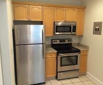 Kitchen, 2627 Selwyn Ave