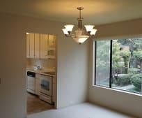 800 Woodside Ln E, Arden, CA