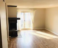 Living Room, 3602 Gillham Rd