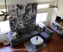 Living Room, 56 Papahi Loop