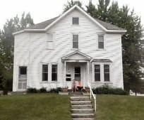 151 5th Ave NE, Hutchinson, MN