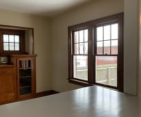 206 N Wiley St, Crestline, OH