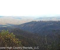 675 Whispering Hills Rd, Lenoir, NC