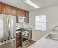 Kitchen, 15072 NW Central Dr