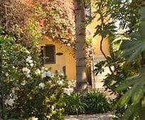 132 S Roxbury Dr, Beverly Hills, CA