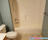 Bathroom, 546 Lovell Ave W