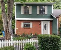 5031 Village Green Way, Alpharetta, GA